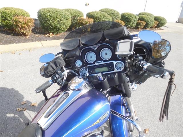 2009 Harley-Davidson Street Glide Base at Bumpus H-D of Murfreesboro