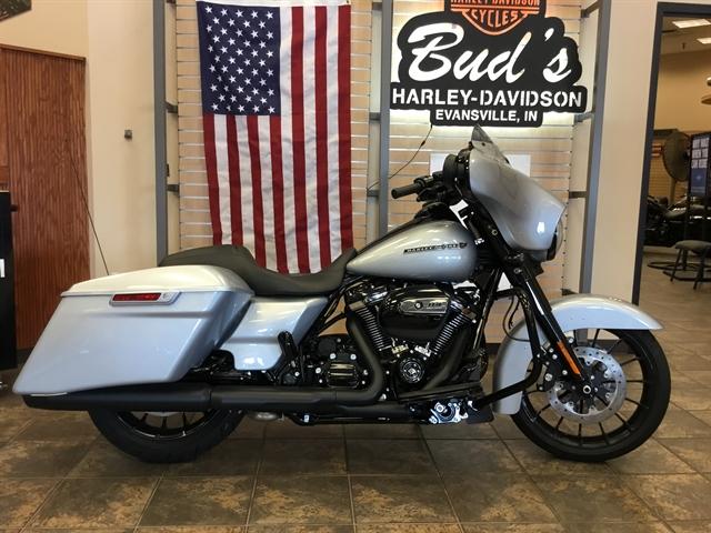 2019 Harley-Davidson Street Glide® Special at Bud's Harley-Davidson Redesign