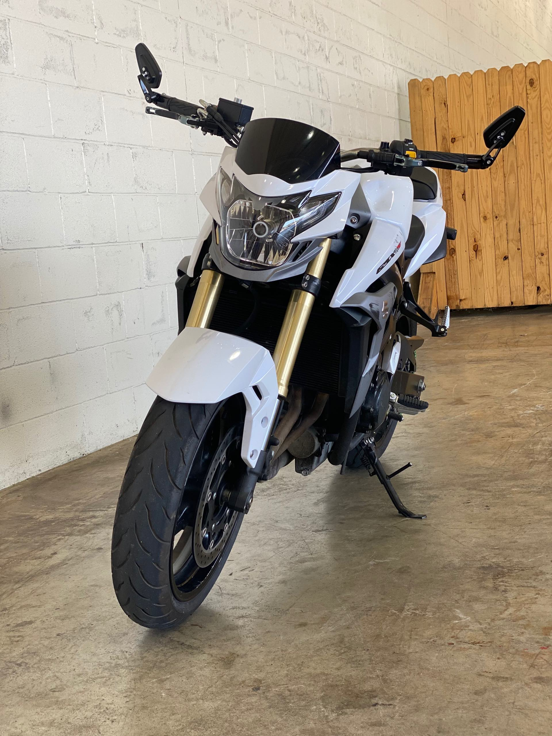 2016 Suzuki GSX-S 750 at Twisted Cycles