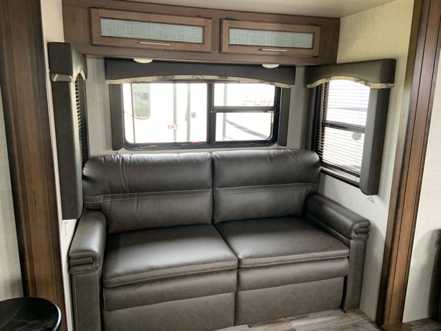 2019 Keystone RV Cougar 362RKS at Campers RV Center, Shreveport, LA 71129