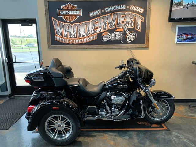 2020 Harley-Davidson Trike Tri Glide Ultra at Vandervest Harley-Davidson, Green Bay, WI 54303