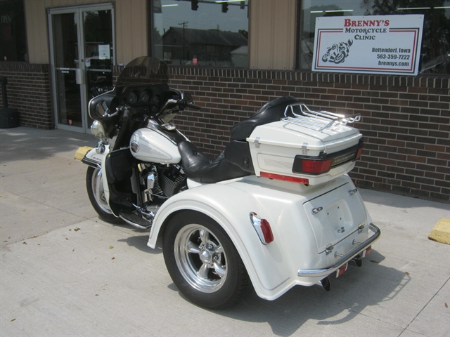 2002 Harley-Davidson Ultra Classic Trike at Brenny's Motorcycle Clinic, Bettendorf, IA 52722