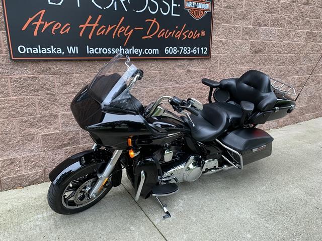 2016 Harley-Davidson Road Glide Ultra Ultra at La Crosse Area Harley-Davidson, Onalaska, WI 54650
