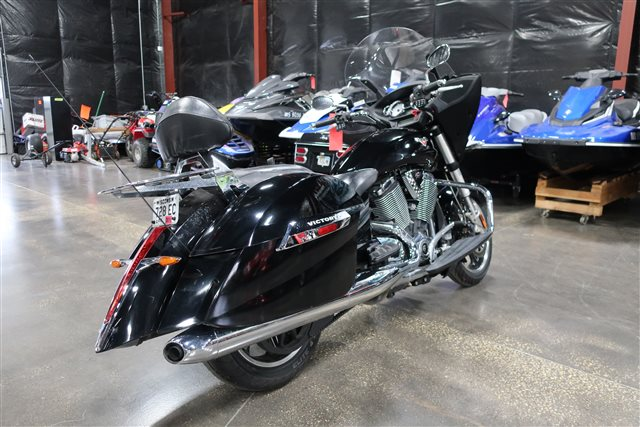 2013 Victory Cross Country Base at Rod's Ride On Powersports, La Crosse, WI 54601