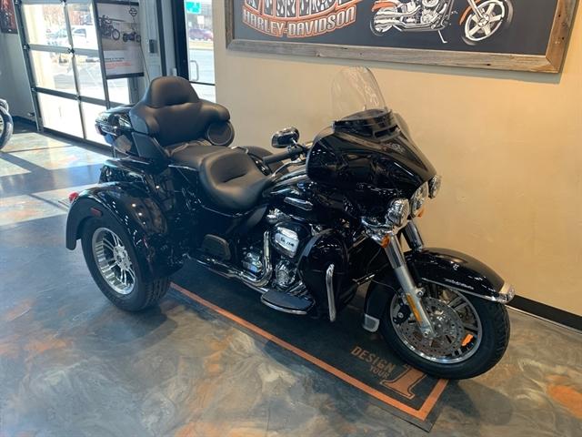 2021 Harley-Davidson Trike FLHTCUTG Tri Glide Ultra at Vandervest Harley-Davidson, Green Bay, WI 54303