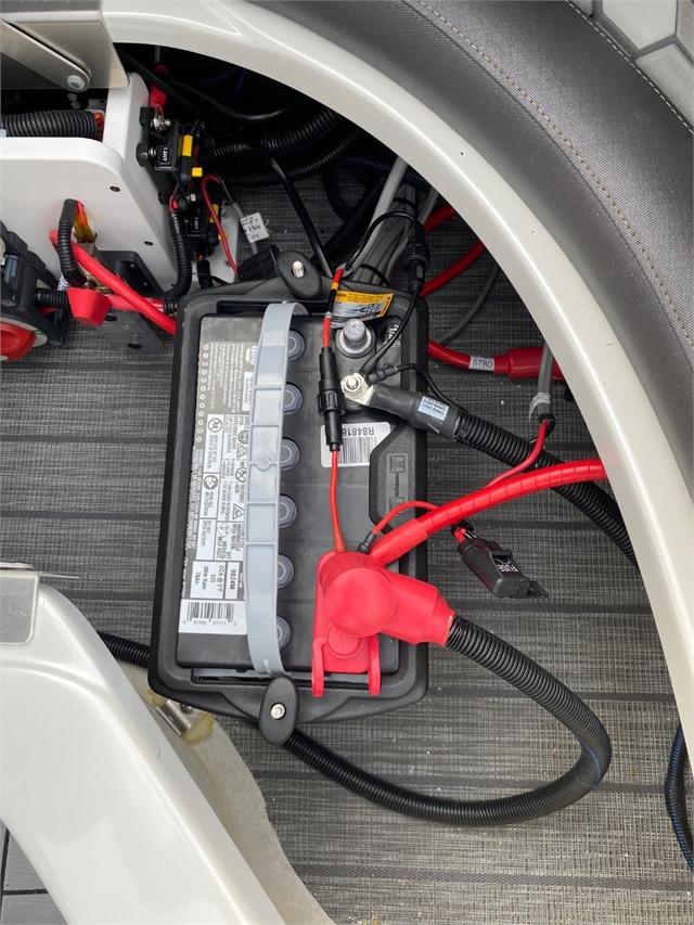 2021 Manitou XT RFXW 27 XT SHP Dual Engine at Jacksonville Powersports, Jacksonville, FL 32225