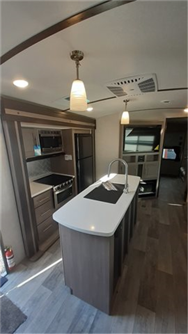 2021 CrossRoads Sunset Trail Super Lite SS331BH at Lee's Country RV