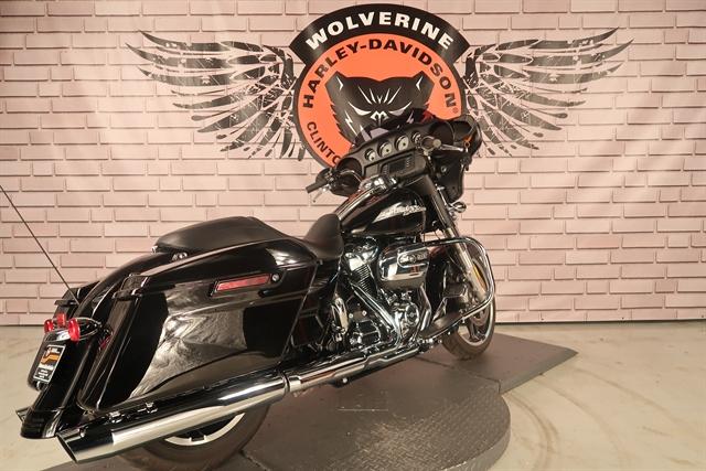 2017 Harley-Davidson Street Glide Base at Wolverine Harley-Davidson