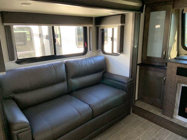 2019 Keystone RV Montana High Country 375FL at Campers RV Center, Shreveport, LA 71129