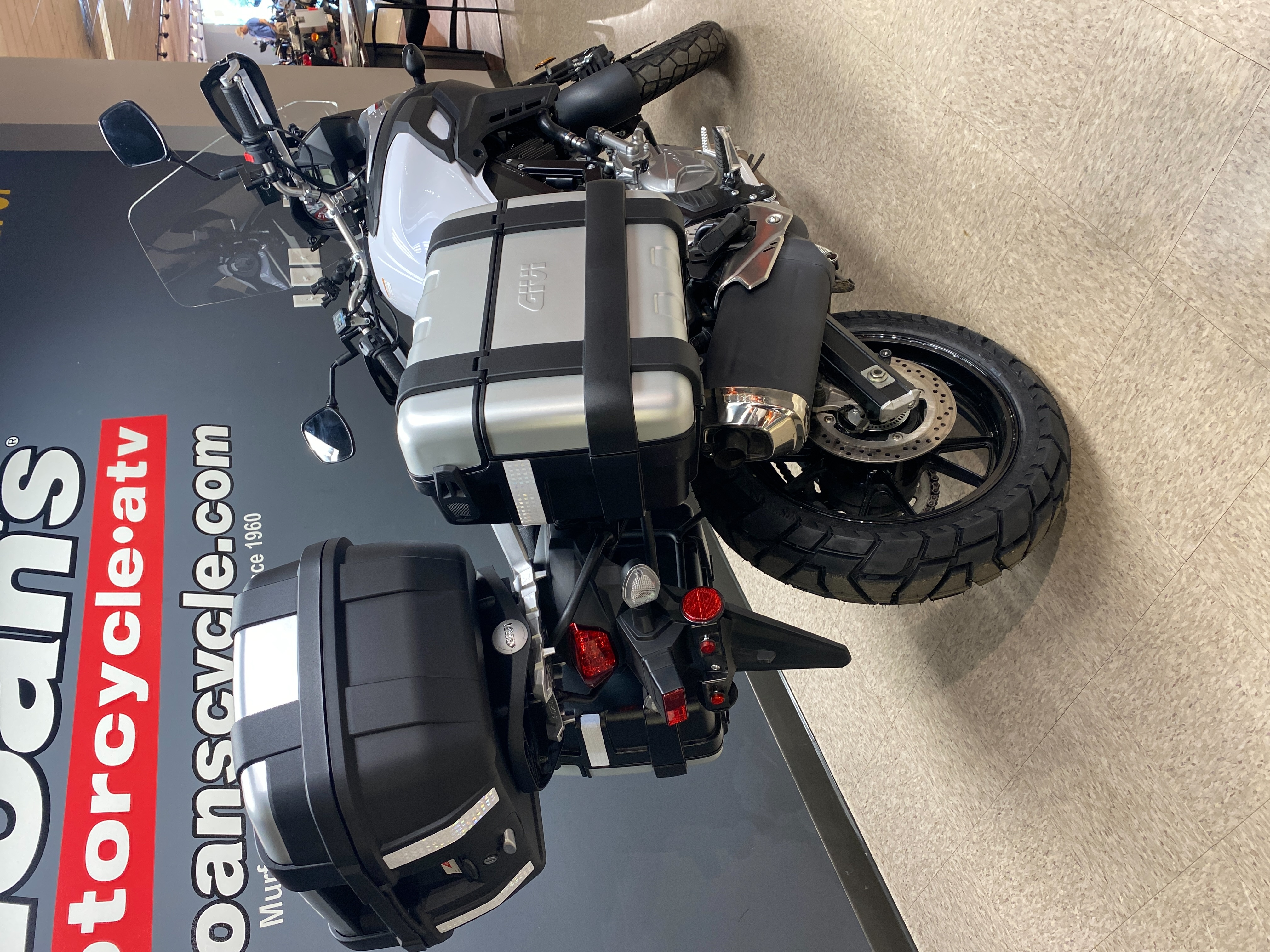 2017 Suzuki V-Strom 650 XT at Sloans Motorcycle ATV, Murfreesboro, TN, 37129