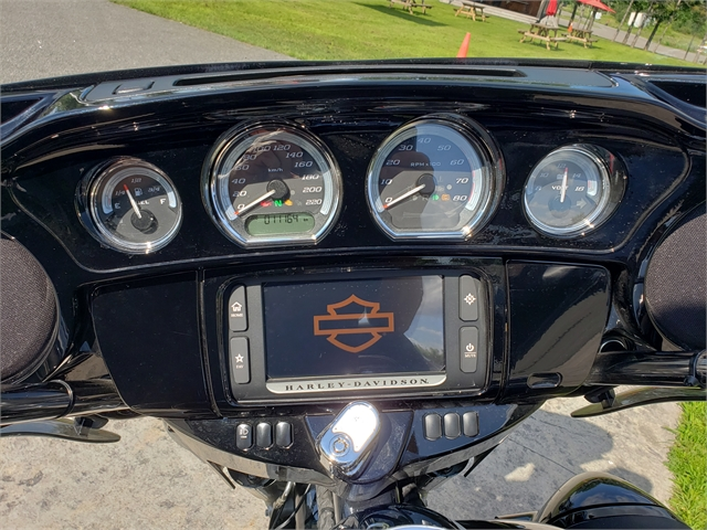 2017 Harley-Davidson Electra Glide Ultra Limited Low at Classy Chassis & Cycles