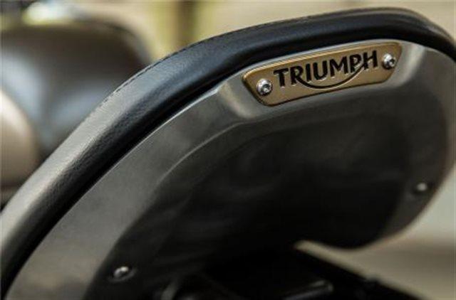 2019 Triumph Bonneville Bobber Base at Frontline Eurosports