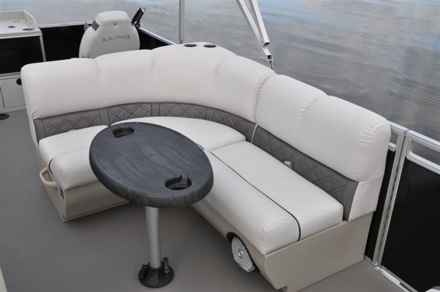 2018 Lund LX220 Pontoon at Pharo Marine, Waunakee, WI 53597