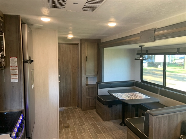 2021 Palomino Puma 32RBFQ at Campers RV Center, Shreveport, LA 71129