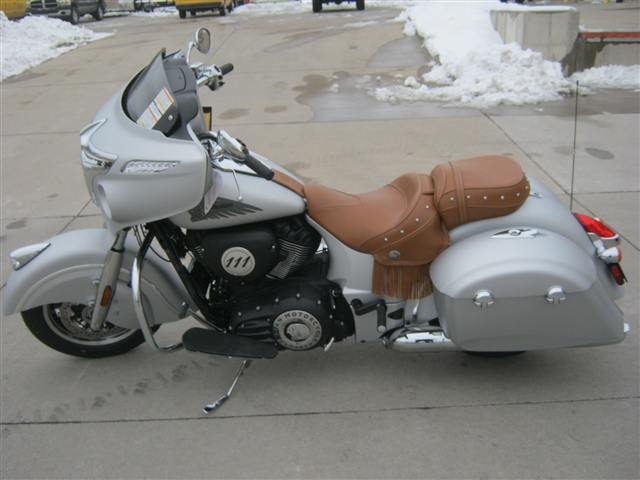 2018 Indian Motorcycle Chieftain Classic ABS Star Silver Smoke at Brenny's Motorcycle Clinic, Bettendorf, IA 52722