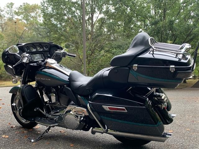 2015 Harley-Davidson Electra Glide CVO Limited at Hampton Roads Harley-Davidson