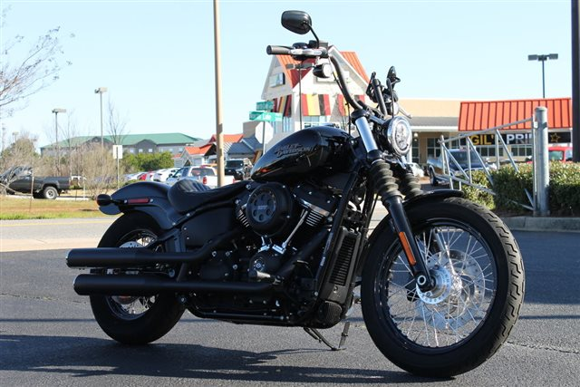 2019 Harley-Davidson Softail Street Bob at Extreme Powersports Inc