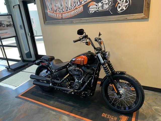2021 Harley-Davidson Cruiser FXBBS Street Bob 114 at Vandervest Harley-Davidson, Green Bay, WI 54303