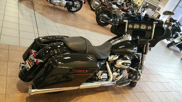 2019 Harley-Davidson Street Glide Base at Harley-Davidson® Shop of Winona, Winona, MN 55987