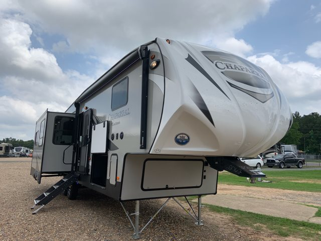 2020 Coachmen Chaparral 336TSIK at Campers RV Center, Shreveport, LA 71129