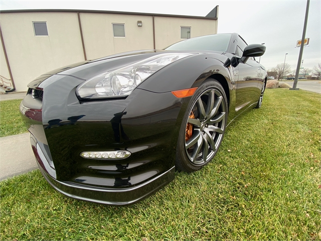 2014 NISSAN GT-R PREMIUM at Star City Motor Sports