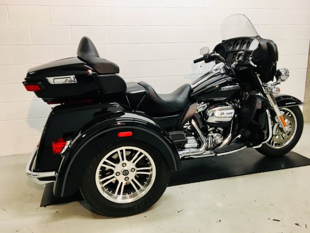 2017 Harley-Davidson Trike Tri Glide Ultra at Destination Harley-Davidson®, Silverdale, WA 98383