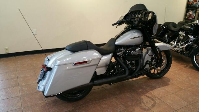 2019 Harley-Davidson Street Glide Special at Harley-Davidson® Shop of Winona, Winona, MN 55987