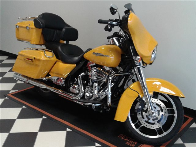 2013 Harley-Davidson Street Glide Base at Deluxe Harley Davidson