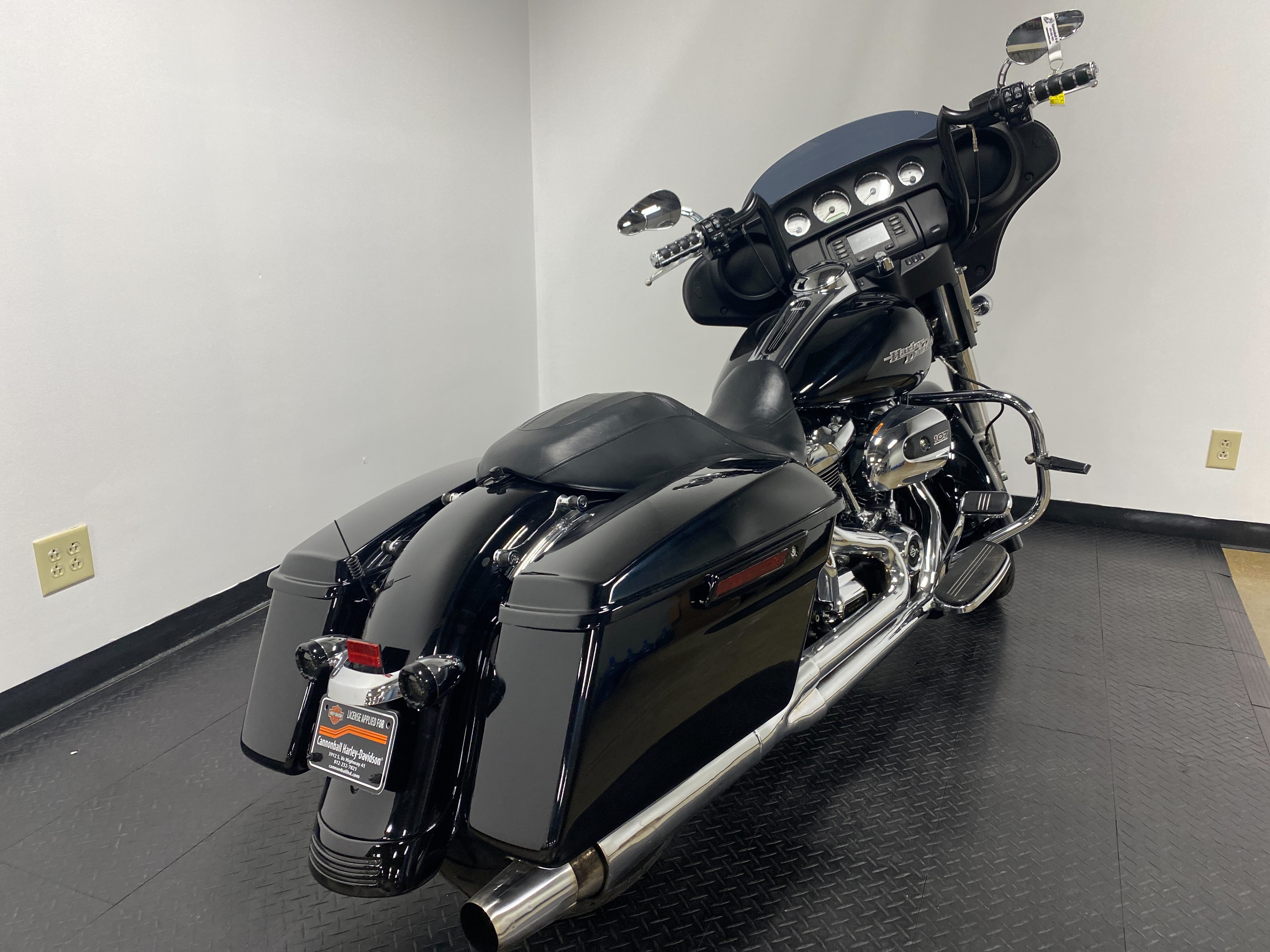 2017 Harley-Davidson Street Glide Base at Cannonball Harley-Davidson