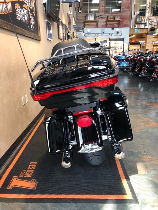 2019 Harley-Davidson Electra Glide® Ultra Limited at Vandervest Harley-Davidson, Green Bay, WI 54303
