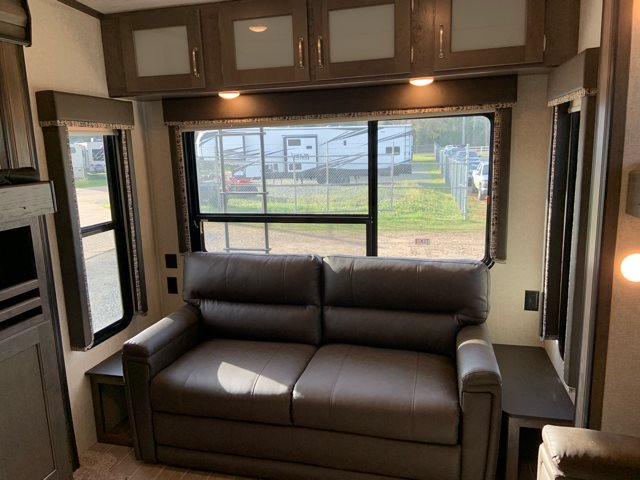 2019 Keystone Montana High Country 362RD at Campers RV Center, Shreveport, LA 71129