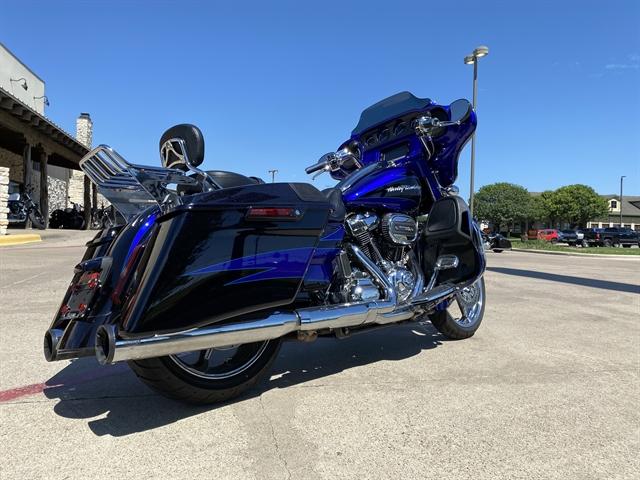2017 Harley-Davidson Street Glide CVO Street Glide at Harley-Davidson of Waco