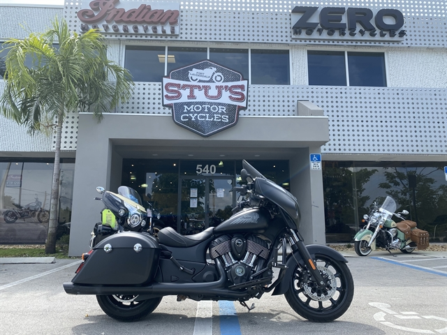 2018 Indian Chieftain Dark Horse at Fort Lauderdale