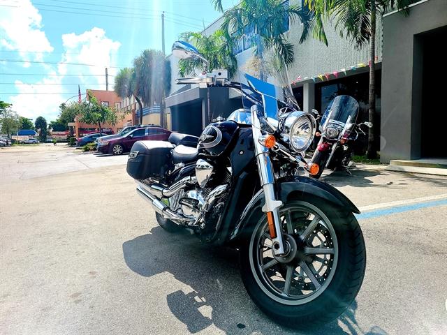 2018 Suzuki Boulevard C90T at Fort Lauderdale
