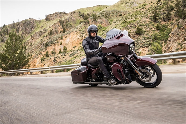 2019 Harley-Davidson Street Glide CVO Street Glide at Zips 45th Parallel Harley-Davidson