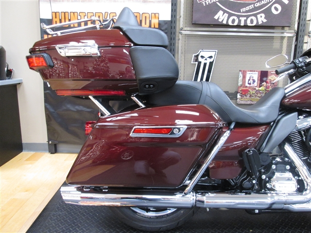 2018 Harley-Davidson Electra Glide Ultra Limited Low at Hunter's Moon Harley-Davidson®, Lafayette, IN 47905