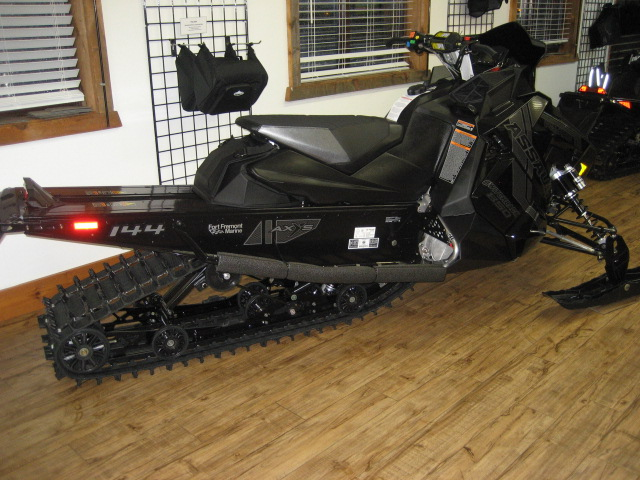 2021 Polaris 850 Switchback Assault 144 at Fort Fremont Marine