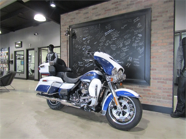 2015 Harley-Davidson Electra Glide Ultra Classic at Cox's Double Eagle Harley-Davidson