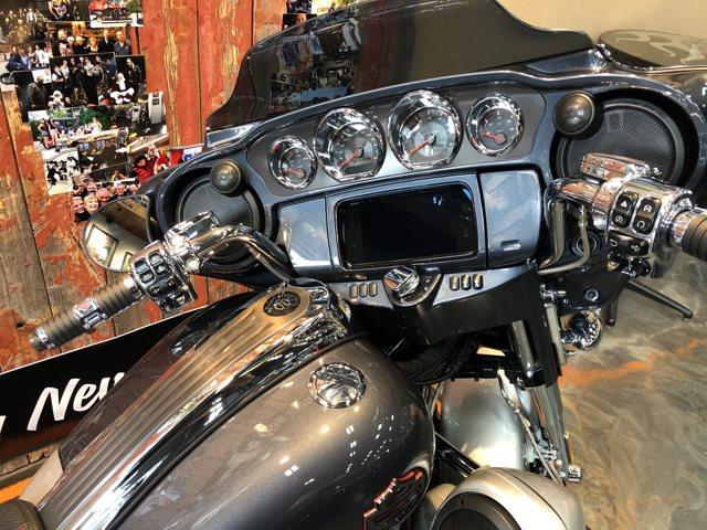 2019 Harley-Davidson Street Glide CVO™ Street Glide® at Vandervest Harley-Davidson, Green Bay, WI 54303