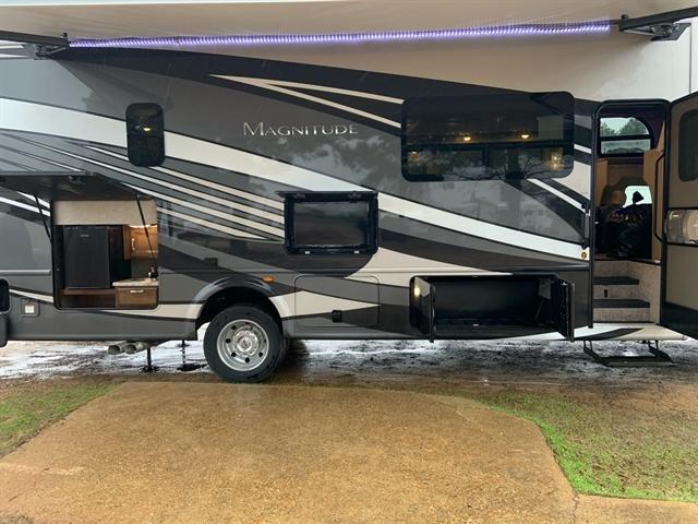 2020 Thor Motor Coach Magnitude Super C SV34 at Campers RV Center, Shreveport, LA 71129
