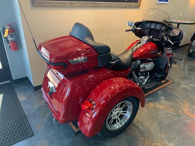 2021 Harley-Davidson Trike Tri Glide Ultra at Vandervest Harley-Davidson, Green Bay, WI 54303