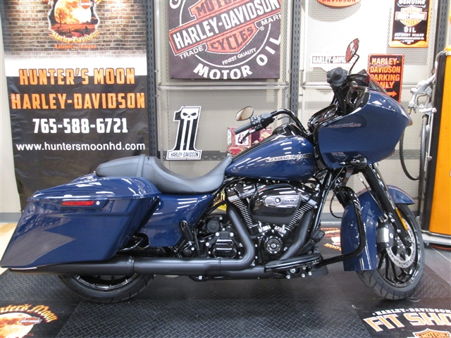 2019 Harley-Davidson Road Glide Special at Hunter's Moon Harley-Davidson®, Lafayette, IN 47905