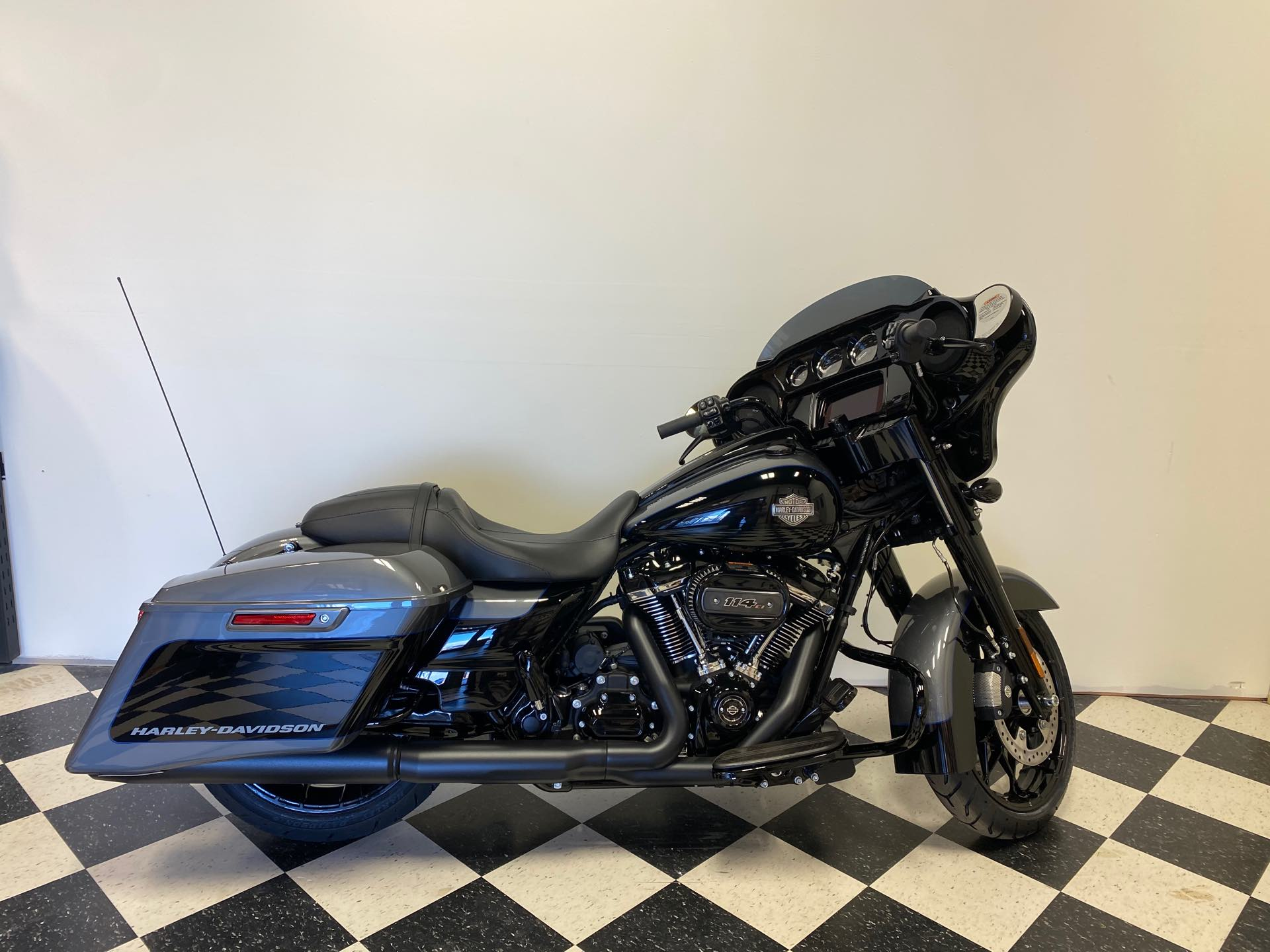 2021 Harley-Davidson Touring FLHXS Street Glide Special at Deluxe Harley Davidson