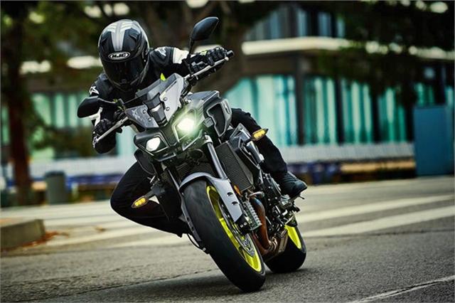 2017 Yamaha FZ 10 at Used Bikes Direct