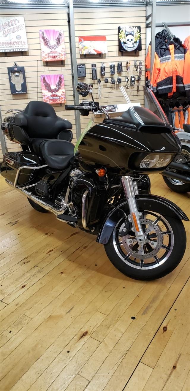 2017 Harley-Davidson Road Glide Ultra at Zips 45th Parallel Harley-Davidson