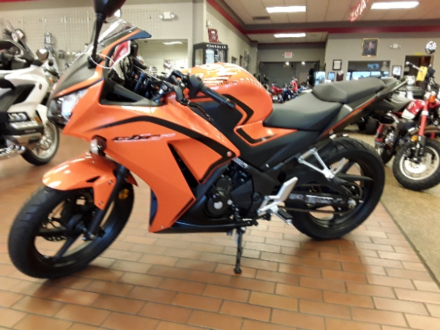 2016 Honda CBR300R 300R at Mungenast Motorsports, St. Louis, MO 63123