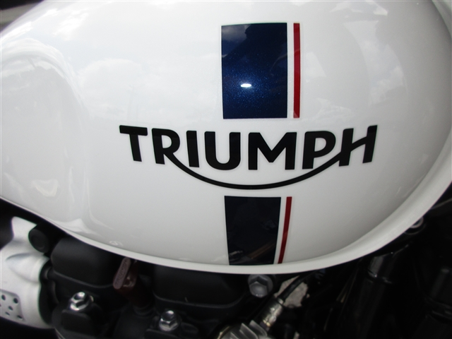 2018 Triumph Street Twin Crystal White at Stu's Motorcycles, Fort Myers, FL 33912