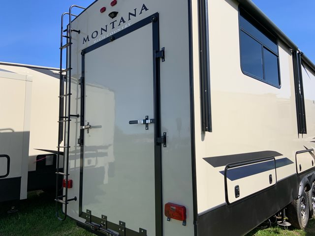 2019 Keystone RV Montana High Country 381TH Toy Hauler at Campers RV Center, Shreveport, LA 71129