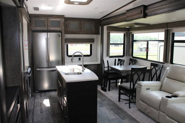 2019 Keystone RV Montana High Country 321MK Rear Kitchen at Campers RV Center, Shreveport, LA 71129