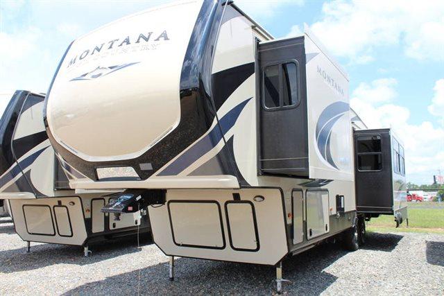 2019 Keystone RV Montana High Country 321MK Rear Kitchen at Campers RV Center, Shreveport, LA 71129